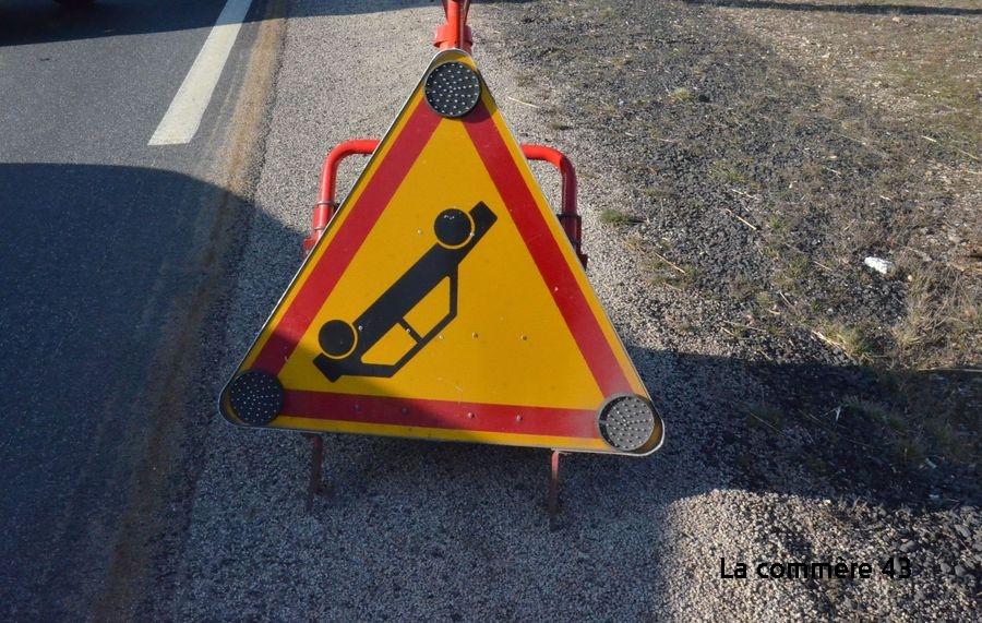 Monistrol-sur-Loire : une voiture au fossé sur la route des Sauvages