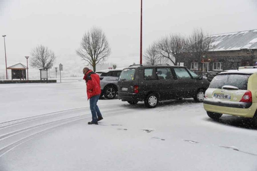 La neige r appara t en quelques minutes aux estables la comm re 43 - Office tourisme les estables ...