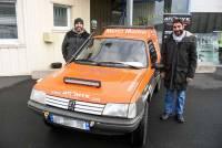 """La Peugeot """"205"""" est prête pour affronter les dunes du rallye Bab el Raid"""