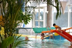 Dunières : un parcours aquatique à la piscine pendant les vacances