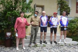 Malvoyant, il va réaliser le chemin de Saint-Jacques de Compostelle en vélo tandem