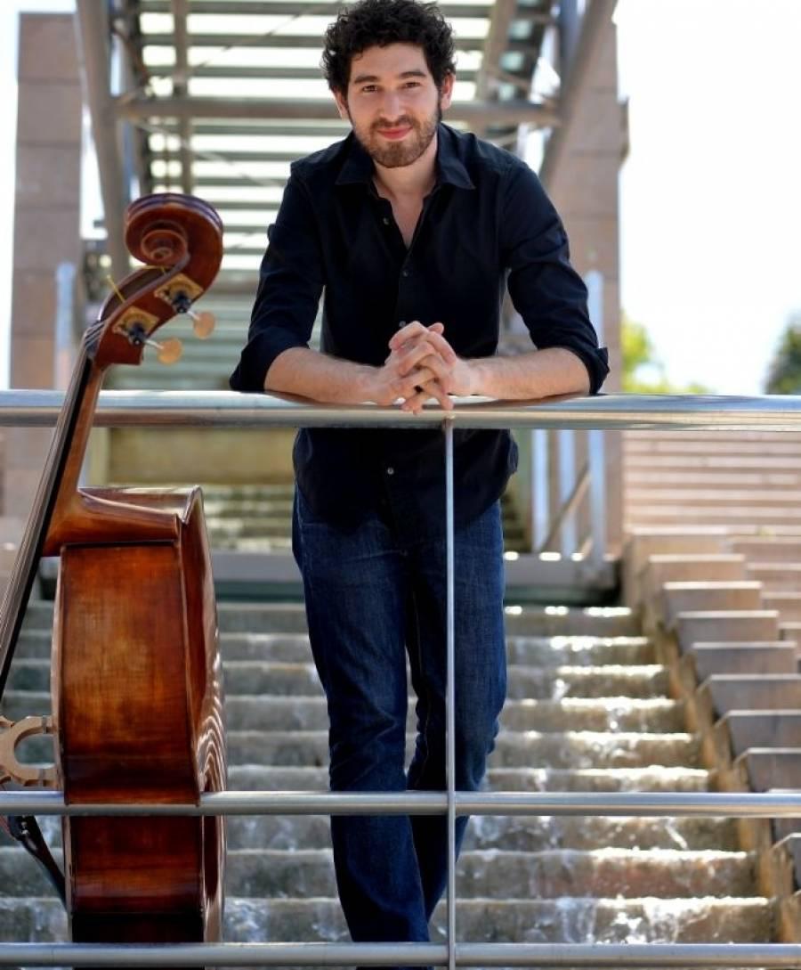 Le contrebassiste Florentin Ginot se produit aussi au sein de l'Ensemble Musikfabrik. Photo Marc Ginot.