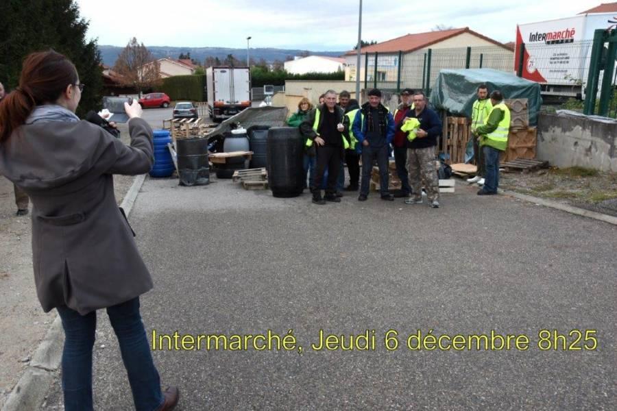 Monistrol-sur-Loire : les Gilets jaunes intensifient le blocage des supermarchés