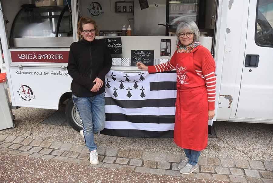 Saint-Didier-en-Velay : elles cuisinent des spécialités bretonnes à bord de leur Kar Breizh