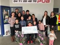 Les Raideuses remettent un chèque de 1 500 euros au Sourire d'Antoine