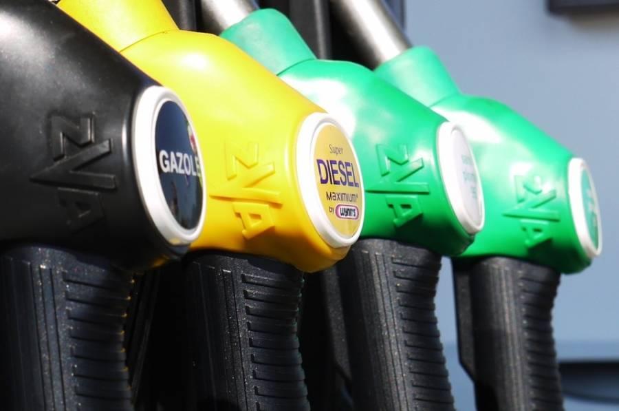 Les pétitions contre la hausse du prix des carburants font le plein