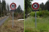Le panneau limitait la vitesse à 70 km/h sur cette route étroite. Le panneau a depuis été changé.