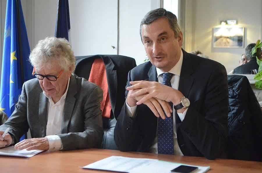 OIivier Cigolotti (à droite), sénateur depuis 2015, est candidat à sa propre succession. Gérard Roche (à gauche) a décidé de se retirer.