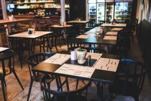 Coronavirus : les bars, restaurants et cinémas obligés de fermer samedi à minuit