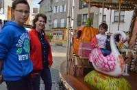 Sur la place Carnot, un carrousel s'adresse aux enfants... sages!