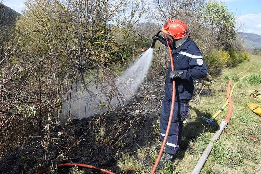 Ces derniers mois, les pompiers ont été appelés à la rescousse à de nombreuses reprises pour des écobuages mal contrôlés.