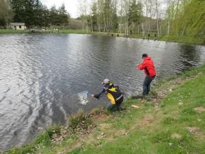 Un concours de pêche truite aux leurres aux étangs Bergougnoux à Saugues le 19 juin