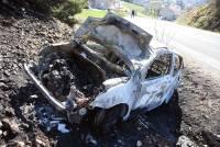 Une voiture volée à Saint-Chamond, incendiée près du Puy-en-Velay