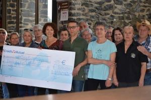 Un chèque de 500 euros grâce à Country d'Yssi pour l'Institut Imagine