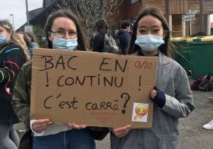 Yssingeaux : les terminales continuent le blocus pacifique devant le lycée Chabrier