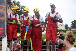 Saint-Romain-Lachalm : un défilé des classes en 0 plein de vie (photos + vidéo)