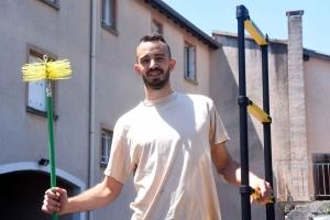 La Chapelle-d'Aurec : Romain Charrat devient ramoneur fumiste