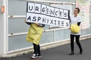 """Puy-en-Velay : pour les agents grévistes, """"les urgences sont asphyxiées"""""""