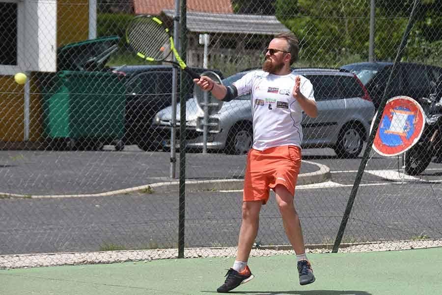 Tennis : l'équipe 1 hommes d'Yssingeaux gagne, toutes les autres perdent