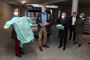 Covid : 300 oxymètres et 30 000 surblouses pour les médecins et infirmiers libéraux de Haute-Loire