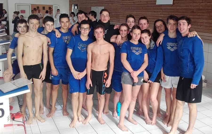 Les nageurs à Issoire.