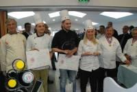 Podium seniors : 1er Fabrice Fernandes Pâtisserie Montcoudiol Monistrol-sur-Loire, 2e Pauline Dorange ENSP Yssingeaux, 3e Ludovic Dufils Pâtisserie Claude Bourguignon Metz (57).