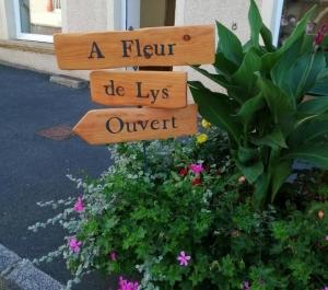 Fleuriste et pompes funèbres à Saint-Just-Malmont, il ouvre une seconde boutique à Jonzieux