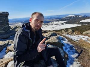 Atteint d'une sclérose en plaques, il gravit le Mont Mézenc... avant le Kilimandjaro