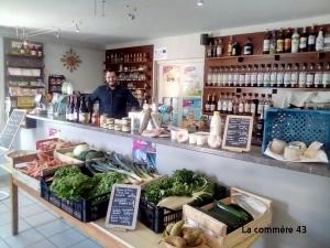 Saint-Julien-du-Pinet : la mairie offre deux mois de loyer au restaurant