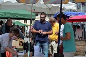 Du vin et des vignerons dans les rues paisibles de Beauzac
