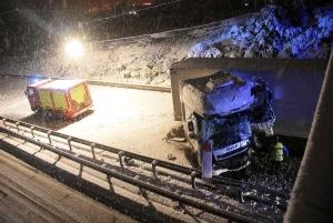 Monistrol-sur-Loire : un camion heurte la pile d'un pont, la moitié de la RN88 fermée