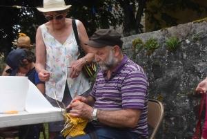 Brives-Charensac : des épouvantails champêtres au bord de Loire