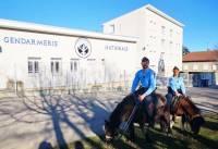 Des gendarmes à poney en Ardèche