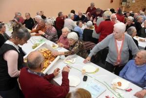 Sainte-Sigolène : 620 colis remis aux aînés de plus de 75 ans