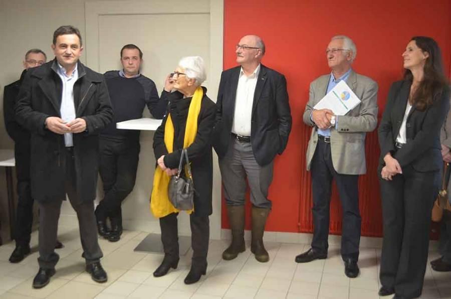 """Gérard Vergnon (à gauche) lance : """"Cet hôpital, c'est notre ADN""""."""