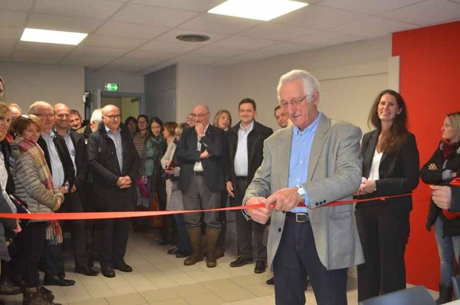 Henri Brottes, président du conseil d'adminstration, a coupé le ruban rouge.