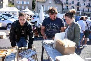 Chambon-sur-Lignon : une petite centaine d'exposants au vide-greniers des pompiers