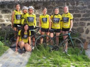 De gauche à droite : Bénédicte Roqueplan, Pierrette Cardi, Sophie Poyet, Apolline Aurelle, Pauline Verdier, Flora Boissier ; accroupie : Cindy Chambon