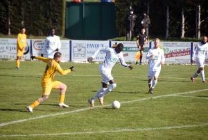 Foot : les photos du match Feurs-Le Puy en Coupe de France