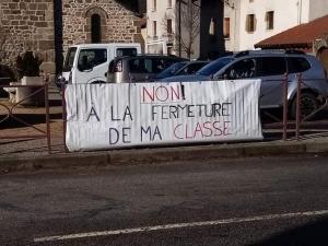 Lavoûte-sur-Loire : un rassemblement lundi à la sortie de l'école pour garder la 4e classe