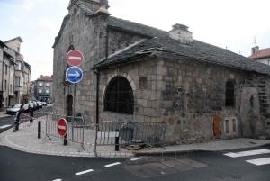 Yssingeaux : un camion accroche la chapelle des Pénitents