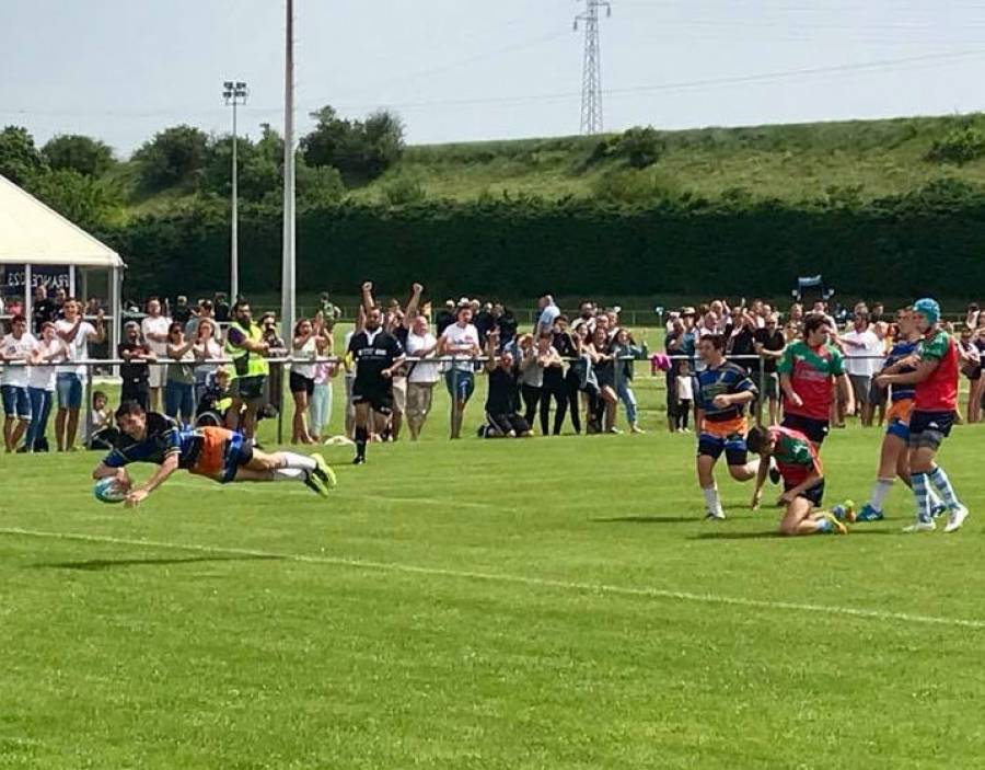 Tence : les rugbymen cadets champions du Sud-Est en Teulière B