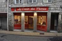 Monistrol-sur-Loire : un magnétiseur et un magasin de lithothérapie dans la rue Chaussade