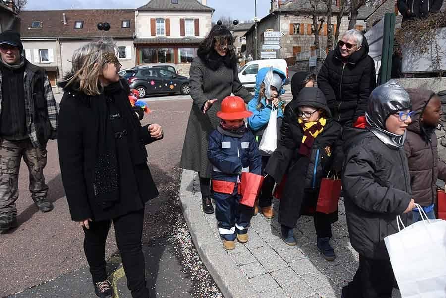 Mazet-Saint-Voy : une sortie déguisée dans le village pour les écoliers