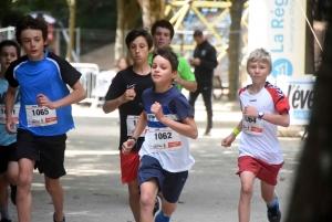 Les enfants ouvrent en petit comité le Puy Urban Trail 2021