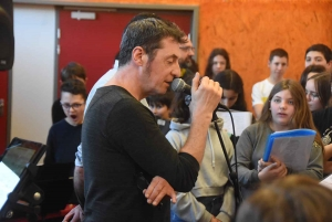 Brives-Charensac : des collégiens en masterclass... avec Yves Jamait (vidéo)