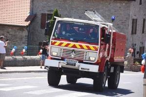Tiranges : un feu de haie dans le bourg