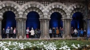 Puy-en-Velay : le cloître paré de bleu pour les droits de l'enfant