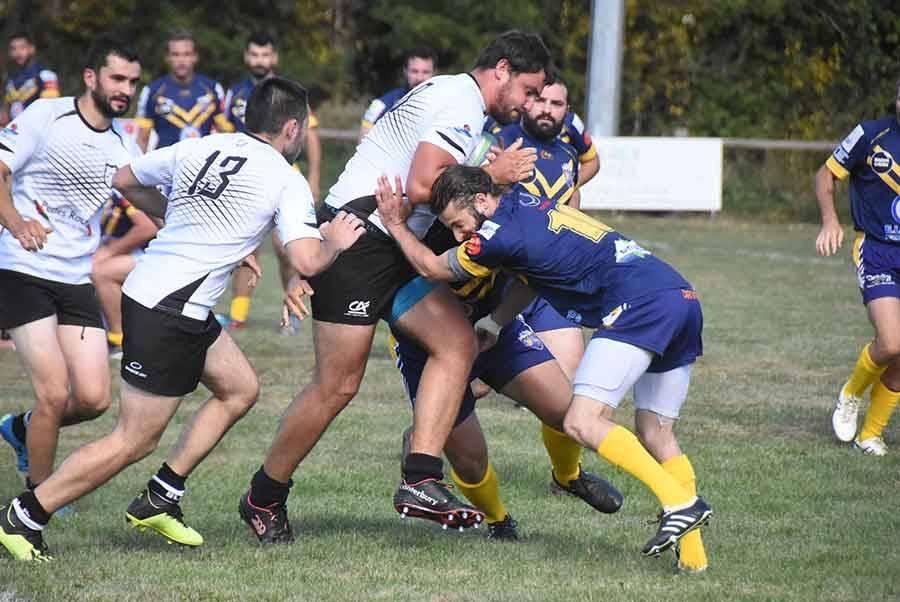Rugby : Tence joue avec le feu