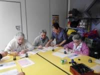 Tence : des résidents de l'Ehpad s'essaient à la calligraphie